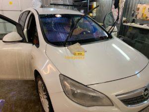 Фото процесса тонировки Opel
